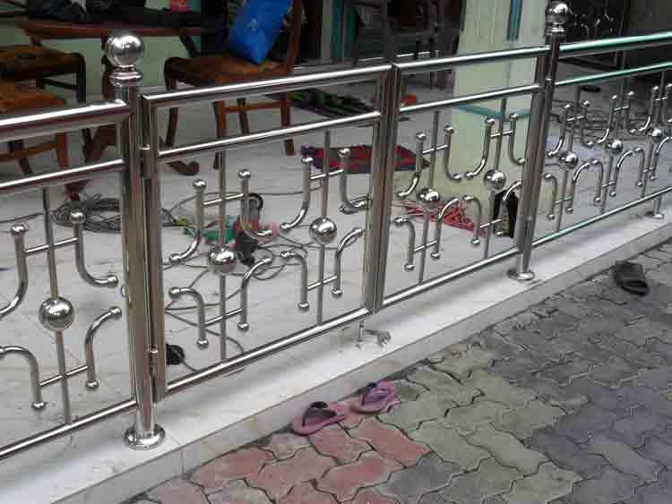 Steel Balcony Railing Design