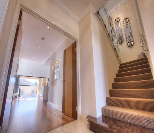 Vastu Tips For Designing The Main Entrance Door To Attract